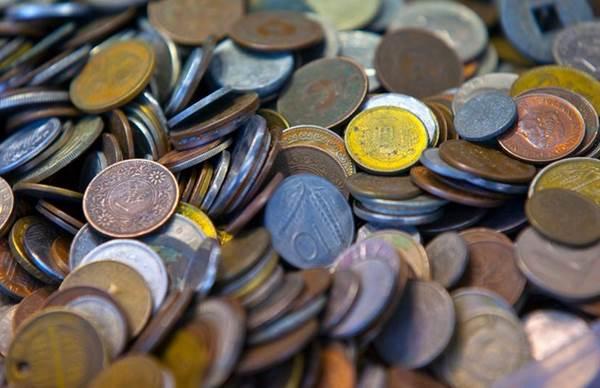 悪貨は良貨を駆逐する